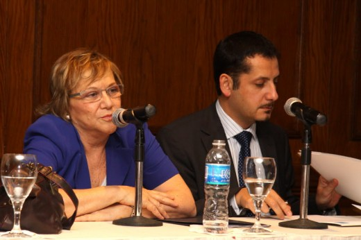 Lic. Ma. Cristina González  PRESIDENTA CORREO URUGUAYO Sr. Ricardo Norambuena GERENTE DE NEGOCIOS INTERNACIONALES DE CORREOS CHILE